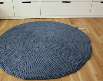 Carpet round blue