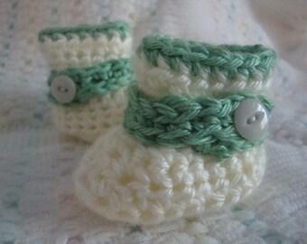 Newborn Booties, Baby Booties, Off White Newborn Booties, 0-3 mos Baby Booties, 0-3 mos Green Booties, White Green Baby Booties,