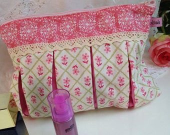 Make-up bag / bags