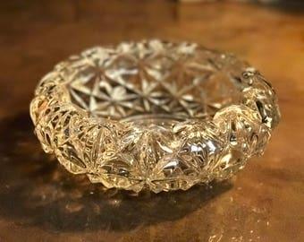 1970s vintage lead crystal bowl. Serving bowl.