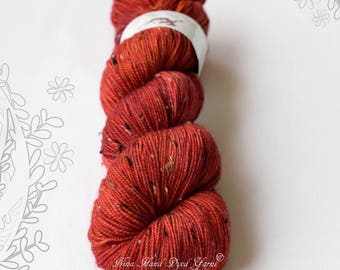 DONEGAL TWEED SOCK - I'M on Fire - hand dyed sock yarn, blend of merino wool and donegal nepps