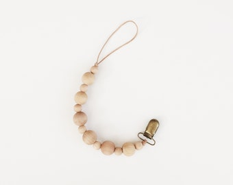 Wooden Bead Pacifier Clip / 03