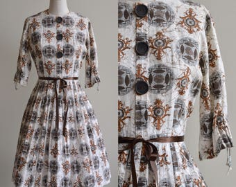 1950s Dress / Mandala Novelty Print Dress / Vintage 50s Cotton White and Brown Fit and Flare Dress / M/L Medium Large