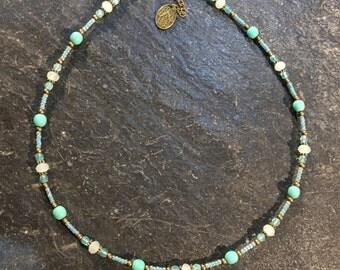 Kurze Handgemachte Perlen Halskette. Mit Hamsa Hand der Fatima Anhänger. (2)