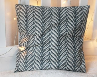 Pillow case with spring pattern