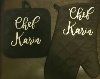 Custom kitchen oven mitt set, personalized oven mitt and pot holder set, Chef oven mitt set, personalized kitchen gift, kitchen decor