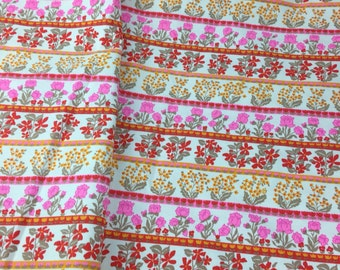 Retro fabric, vintage 60s floral fabric, vintage textile, retro folk art fabric, quality 100% cotton fabric, Quilt fabric, Mod fabric
