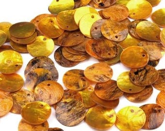 40 round mother of Pearl discs in yellow, 15 mm