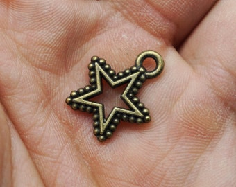 Star Charms -25pcs Antique Bronze Empty Stars Charm Pendants 15mm x 18mm (501-15-A)