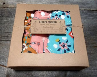 Organic bandana bibs, Boho baby girl gift, Organic bib, Baby girls bib, Baby shower gift, Organic drool bib, Modern baby bib, teething bibs