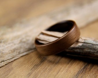 Wooden Ring - Handcrafted Bentwood Ring - Walnut line with Macassar Ebony - Wood Ring