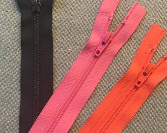Large Top closing zipper.