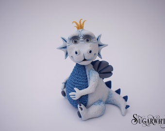 Dragon cake topper tutorial. Instant PDF download, full colour step by step guide.