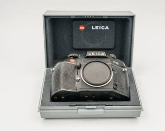 Top of the R Series Leica R8 SLR Camera with optional Leica Vario-Elmar-R 35-70 f3.5 or Leica Summicron-R 50mm f2 Prime lens. .