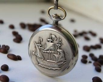 Vintage Soviet pocket watch. Ship. Mechanical watch MOLNIJA USSR. Cream dial. Working.