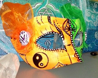 Party mask yin yang - orange green neon green