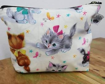 Retro kitten make up purse