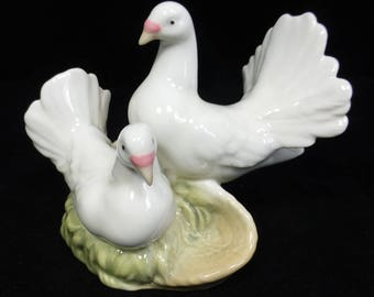 Miquel Requena Porcelain Figurine of Two White Doves – Made in Valencia, Spain – Lladro style