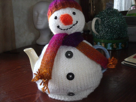 Hand knitted Snowman tea cosy to fit a 6-8 cup tea pot.
