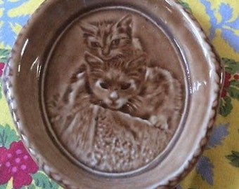 Vintage Wade Pale Brown Dish with Image of Cats Peeping out of a Blanket