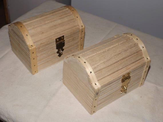 Set 2 wooden boxes lidded box round top keepsake for Circular wooden box