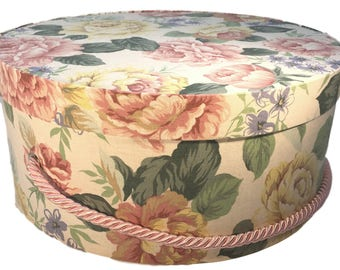 Large Hat Box in Pastel Fabric with Cabbage Roses, Round Gift Box, Keepsake Box, Decorative Box, Fabric Covered Box, Country Cottage Decor,