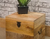 Solid wooden single LP storage lockable storage box  Mantis Mango wood
