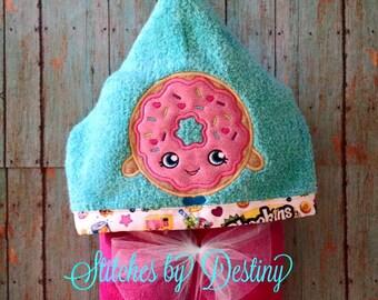 Sprinkle Donut Hooded Bath Towel