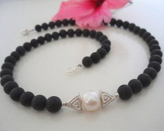 Lava necklace with Pearl & silver