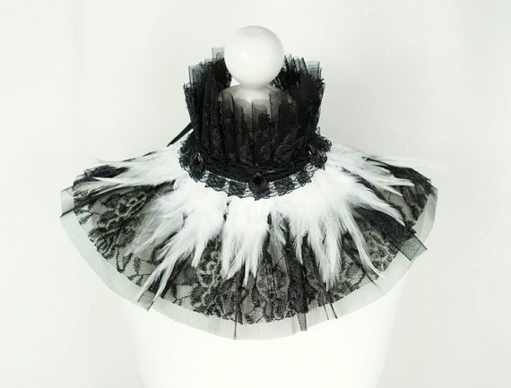 SALE black & white collar with many feathers and pearls and lace / black white feather collar with lace and stones