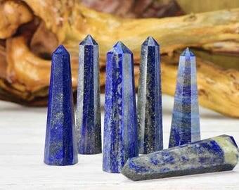 Lapis lazuli obelisk .