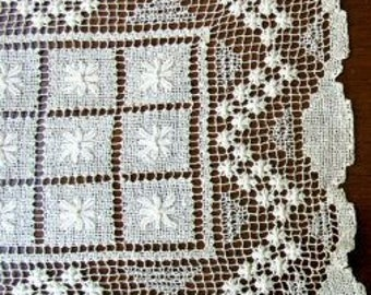 FREE SHIPPING USA Vintage Ecru Table Runner Dresser Scarf  White Doily  Pulled Work  Drawn Work Embroidery  108