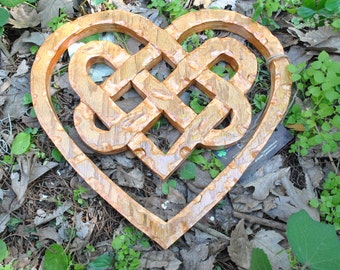 Hand-Carved * Celtic Heart Knott
