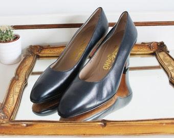 Vintage Salvatore Ferragamo Italian Navy Blue Leather Classic Small Chunky Block Heel Court Shoes Size UK 4.5 EU 37.5 US 6.5