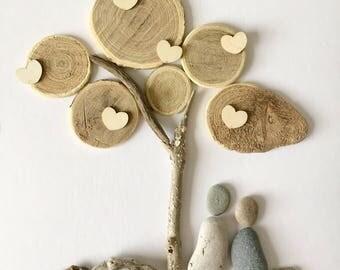 Pebble art oak tree & couple