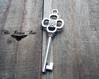 Large Skeleton Key Skeleton Key Antiqued Silver Heart Key Charm Pendant Double Sided 47 mm Wedding Key Escort Card Key Charms by the Piece
