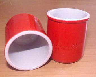 """Red yoghurt Cup with """"joyeuses fêtes"""" messsage"""