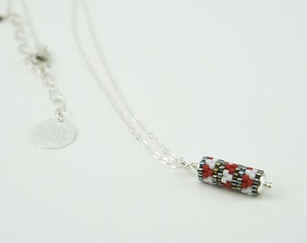 Necklace with pendant | Red graphic