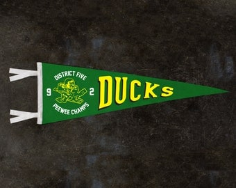 THE MIGHTY DUCKS District 5 Ducks Wool Pennant 9x27 | Mighty Ducks Gifts