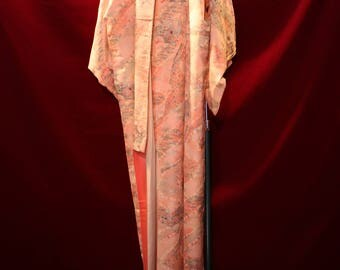 Kimono with the image of Cherry blossom viewing