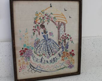 Vintage Crinoline Lady Embroidery/ Art & Collectables/ Fiber Arts/ Sewing/ Embroidery/ Home Decor/ Haberdashery (006N)