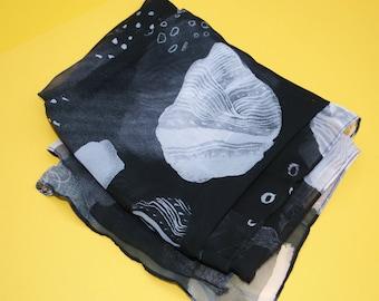 Black Crystal Pattern Scarf