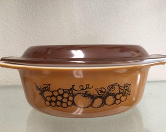 Pyrex Old Orchard 1 1/2 Quart Oval Covered Casserole *With Original Brown Lid*