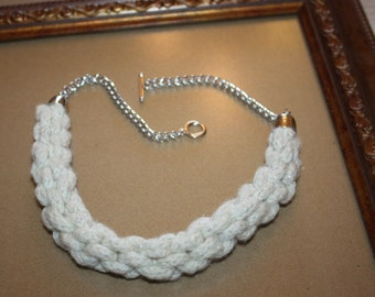 Hand knitted woolen choker, choker, knitted necklace, knitted collar, fiber arts jewelery, necklace