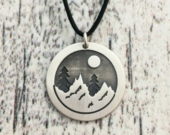 Mountain Necklace in Sterling Silver Metal, Silver Mountain Necklace, Mountain Range Necklace, Mountain Pendant, Mountain Jewelry