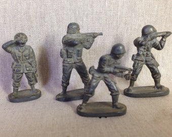 Soviet tin soldiers / Vintage toy soldiers / Old metal soldiers made in USSR / Collectible toys