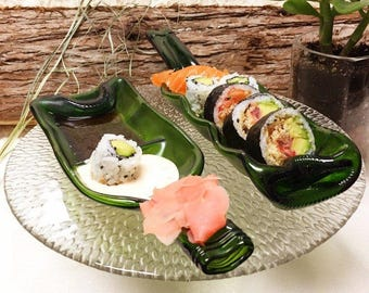 Sushi plates from melted bottle, recycled bottle