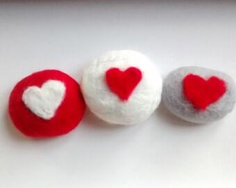Felt heart stones