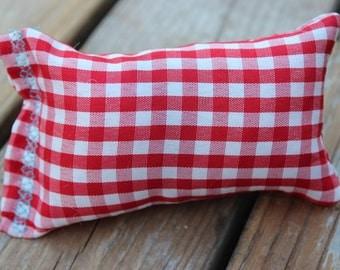 Red picnic pattern catnip pillow