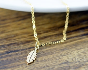 Gold Feather Charm Necklace, Gold Feather Necklace, Gold Necklace, Charm Necklace, Feather Necklace, Dainty Necklace, Everyday Necklace